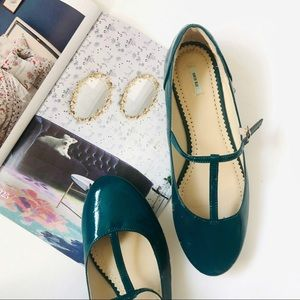 Kimichi Blue UO Teal Patent Mary Jane Flats 9